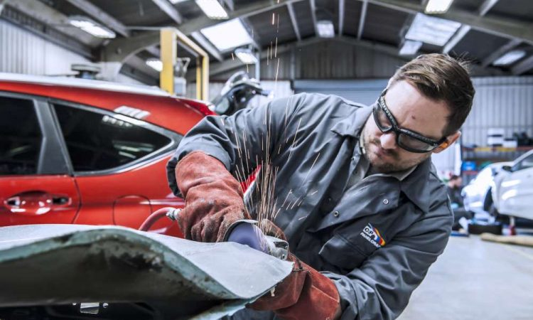Keep These Things In Mind Before Scheduling Auto Body Repairs